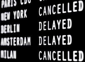 Anzeigetafel Flughafen, Flug cancelled, delayed