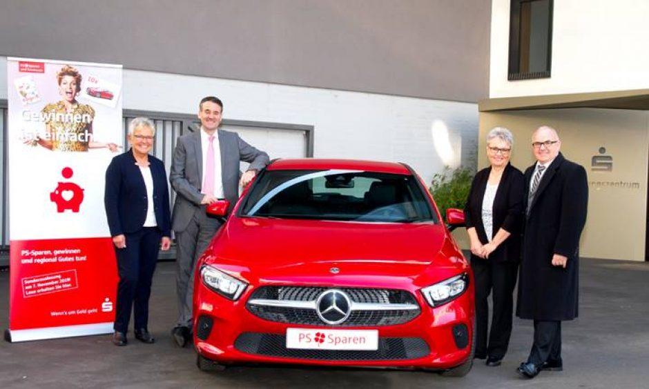 Sparkassenkunden gewinnen einen Mercedes A200